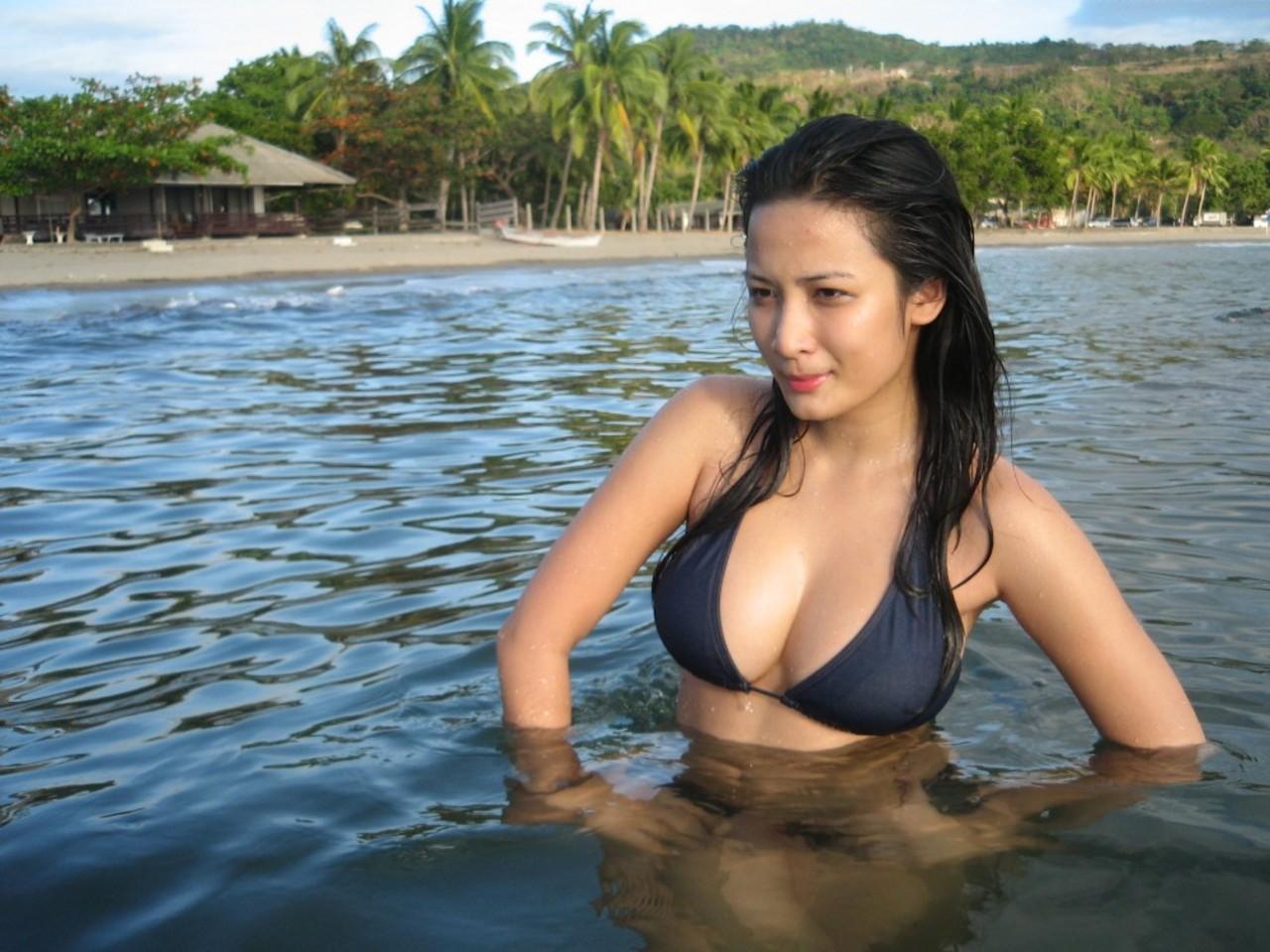 topless paki n arab grls